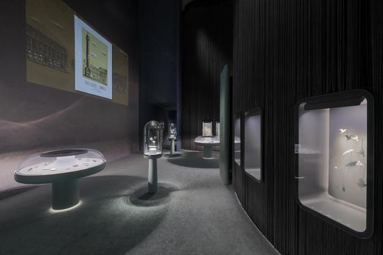 本次典藏臻品回顾展引入了一系列数字化与影音工具.jpg