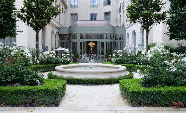麗茲酒店的花園.jpg