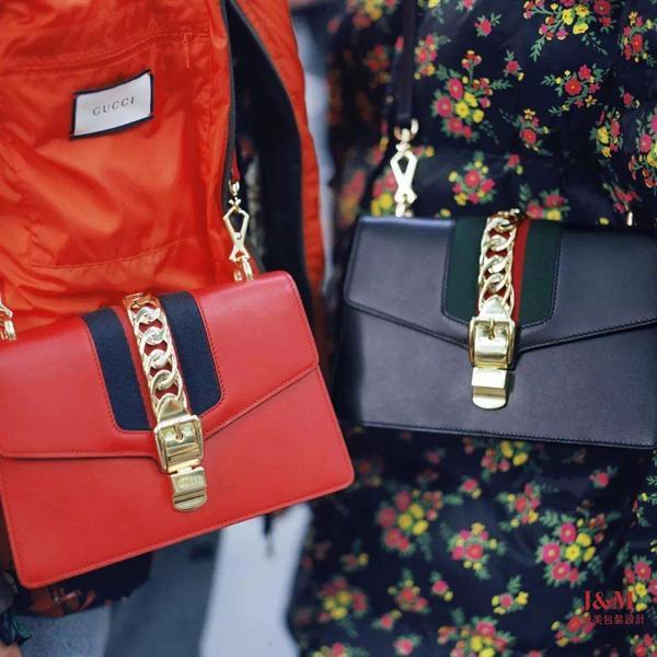 奢侈品掀降价潮?继LV之后,Gucci中国今日也开始下调价格.jpg