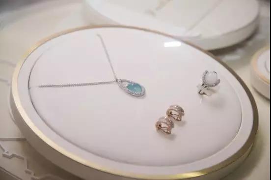 """""""爱的印记——千年珠宝对话珠宝设计大师""""活动2.jpg"""