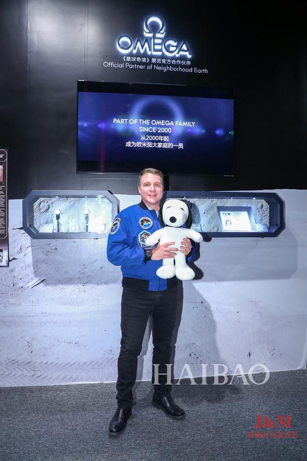 歐米茄 (Omega) 攜手NASA宇航員特里·弗茨 (Terry Virts) 致敬超霸系列的太空傳奇.jpg