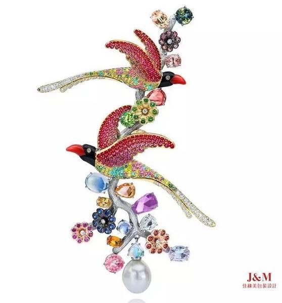 台裔珠宝设计师ANNA HU喜鹊胸针 获莫斯科国家博物馆收藏.jpg