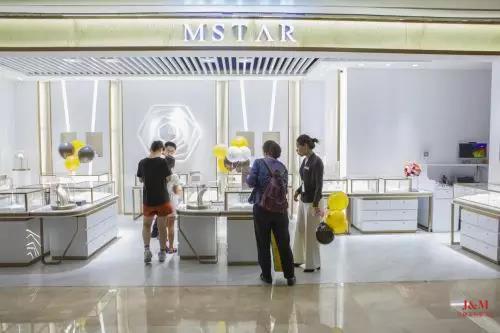 MSTAR在深圳花园城开了一家美炸天的珠宝店.jpg